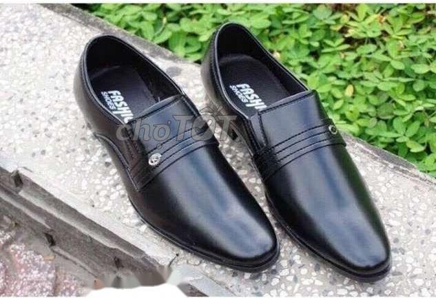 Giày Xỏ Phổ Biến Tại Việt Nam Không Thuộc Giày Da Cao Cấp Chính Thống